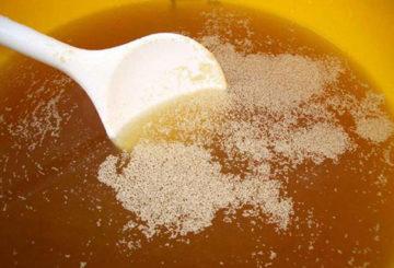 Развъждане на суха мая за торене