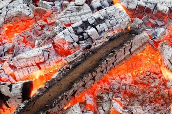 Изгаряне на дърва